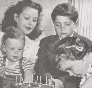 Хеди Ламарр с детьми