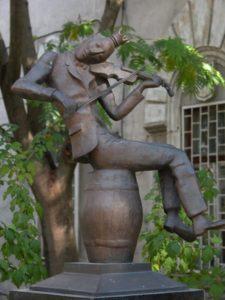 Памятник Сашке музыканту