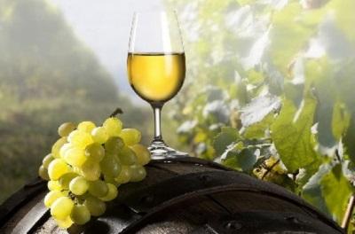 Белое вино.
