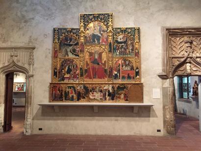 Алтарь древней церкви. Клойстерс