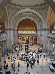 Холл Метрополитен музея