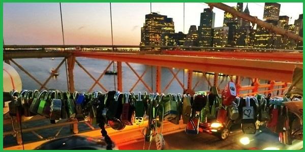 Замки на Бруклинском мосту