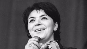 Майя Кристалинская.