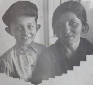 Мама и я в 1940 году