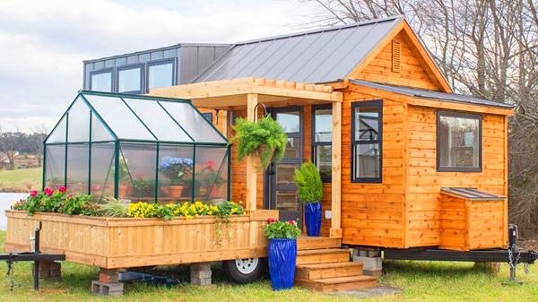 Дом на колёсах с оранжереей